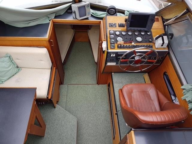 Bella 651 -98 Mercruiser